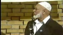 Ahmed Deedat Answer - Jesus had the chance to teach the TRINITY but he didn't!