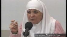 Wearing Hijab and Tight Clothing? - Aminah Assilmi