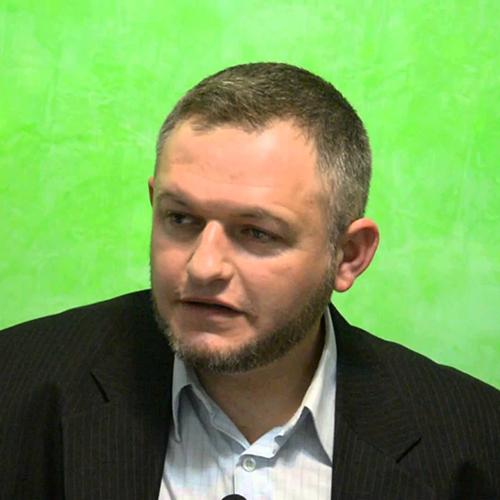 Вахди Делихусев