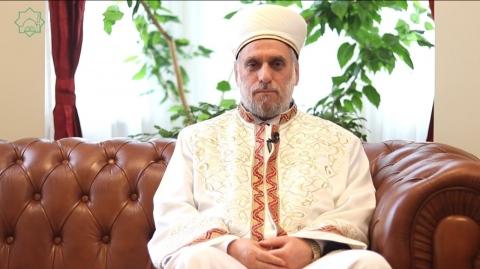 Петъчен ваз на главния мюфтия д - р Мустафа Хаджи